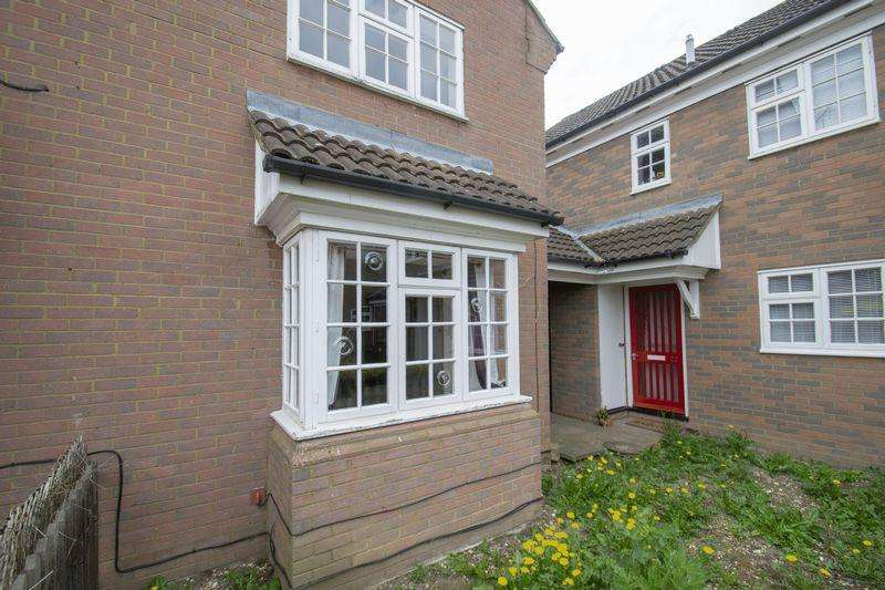 1 Bedroom Terraced House for sale in Cherry Tree Way, Ampthill