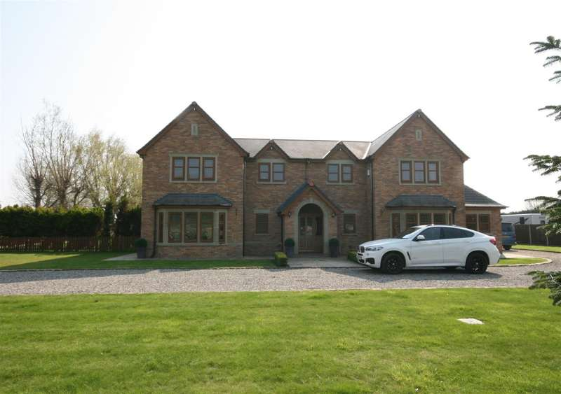 5 Bedrooms Detached House for sale in Division Lane, Lytham St Annes