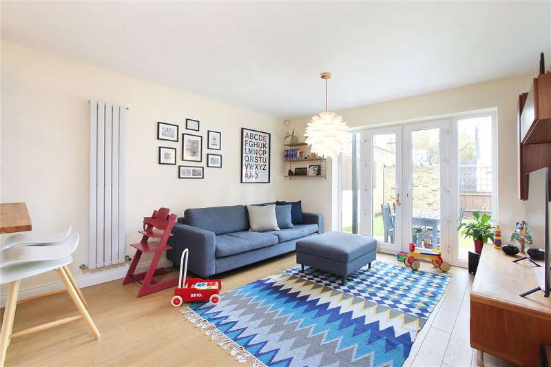 3 Bedrooms Mews House for sale in Chestnut Grove, Balham, London, SW12
