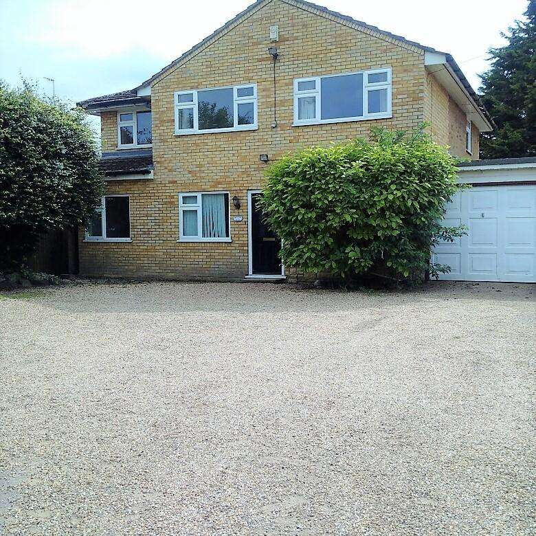 5 Bedrooms Detached House for rent in Watling Street, Hockliffe LU7