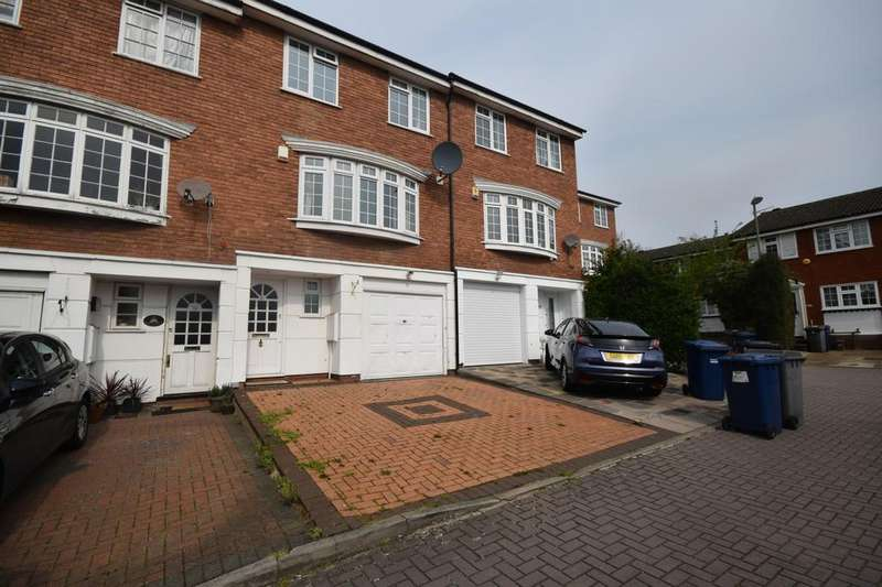 4 Bedrooms Town House for sale in Firs Avenue, London, N11