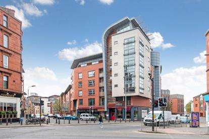 3 Bedrooms Flat for sale in Coopers Well Street, Partick