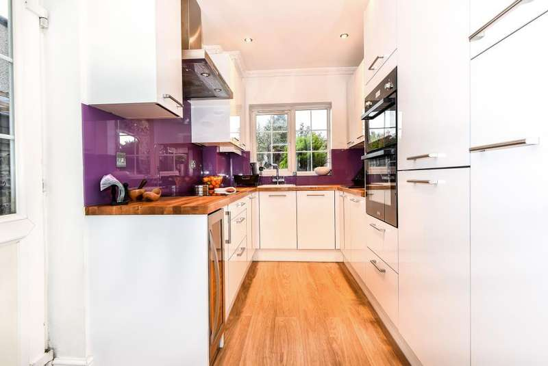 2 Bedrooms Cottage House for sale in Slough, Berkshire, SL1