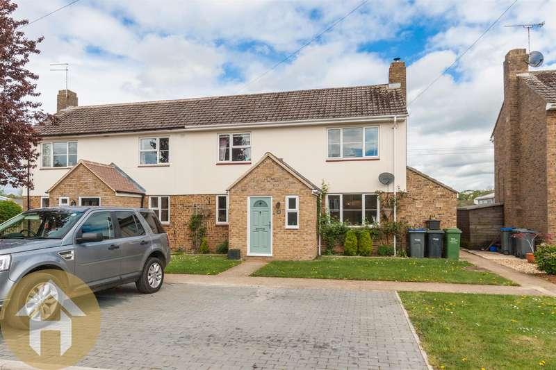 4 Bedrooms Semi Detached House for sale in Lancaster Square, Lyneham, SN15 4