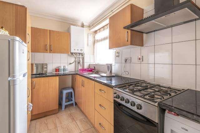 1 Bedroom Maisonette Flat for sale in Franklin Avenue, Slough, Berkshire, SL2