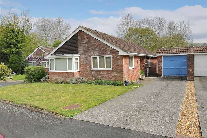 3 Bedrooms Bungalow for sale in Sheppard Close, Whitchurch