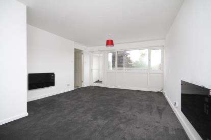 2 Bedrooms Flat for sale in Pentland Road, Dronfield Woodhouse, Derbyshire