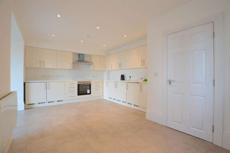 5 Bedrooms Semi Detached House for sale in Hitchin Road, Round Green, Luton, Bedfordshire, LU2 7ST