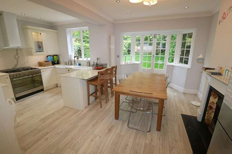 4 Bedrooms Terraced House for sale in Hill Top, Hampstead Garden Suburb