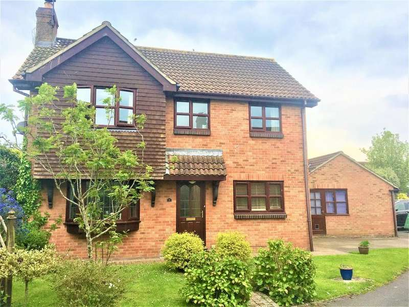 5 Bedrooms Detached House for sale in Modern family home with character
