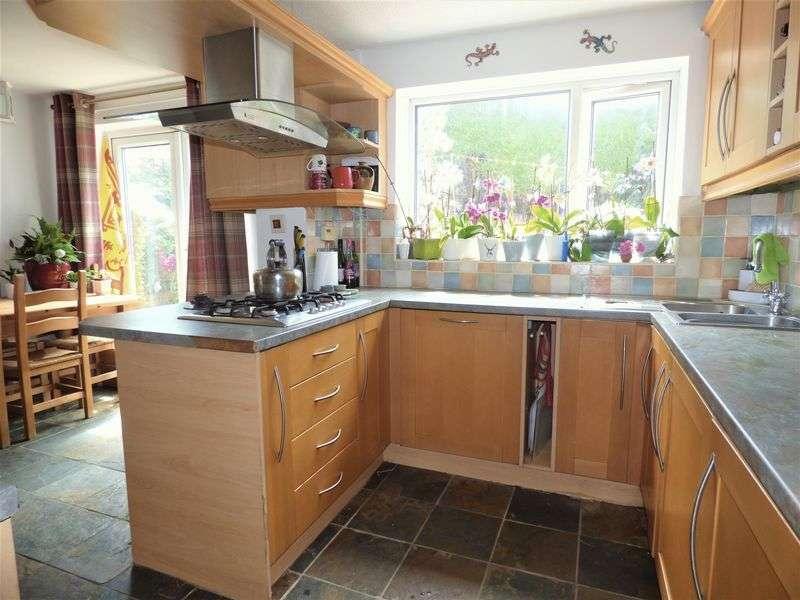 4 Bedrooms Property for sale in Fieldsend, Heysham
