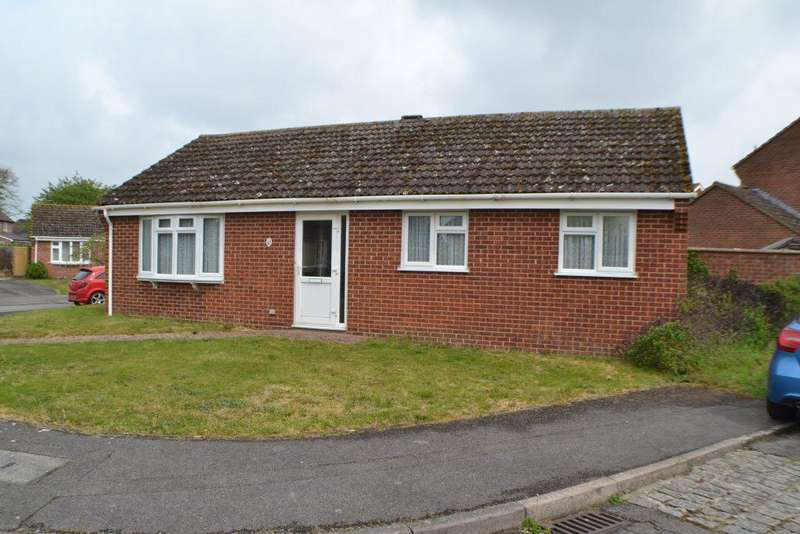 3 Bedrooms Detached Bungalow for sale in Fromont Drive Thatcham