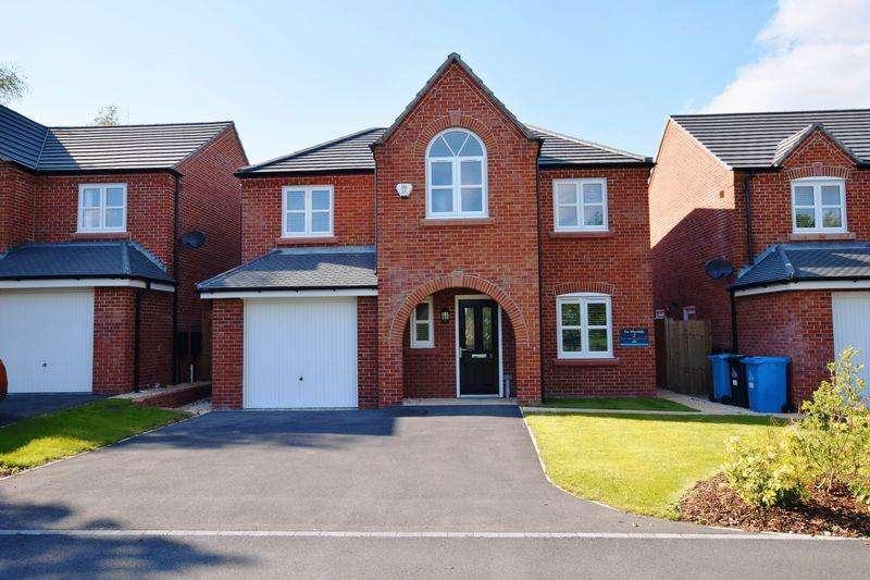 4 Bedrooms Detached House for sale in Shepherds Fold, Runcorn