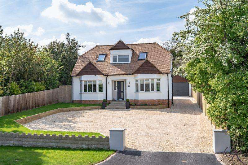 4 Bedrooms Detached House for sale in Stoke Road, Cheltenham