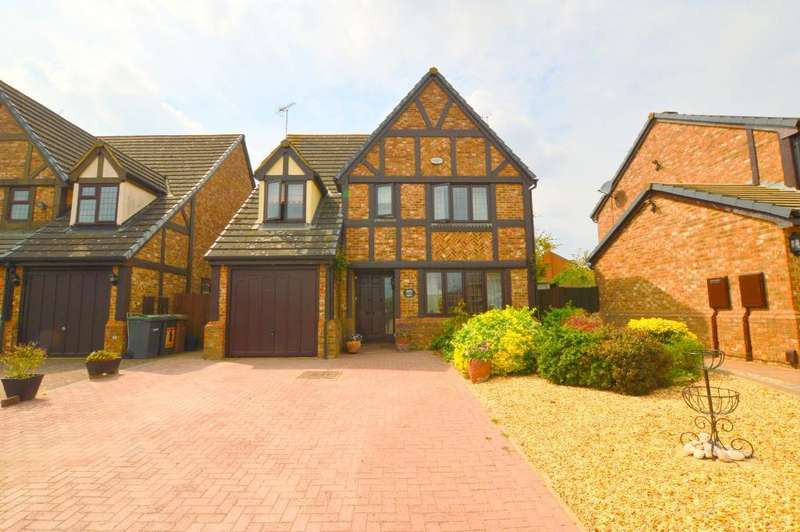 4 Bedrooms Detached House for sale in Milburn Close, Barton Hills, Luton, Bedfordshire, LU3 4EH