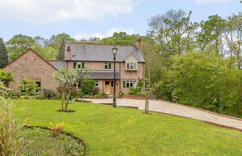 4 Bedrooms Detached House for sale in Rotten Row, Tutts Clump, Bradfield