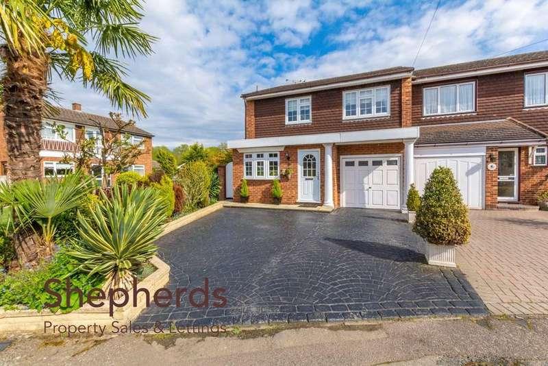 4 Bedrooms Semi Detached House for sale in North Barn, Broxbourne, Hertfordshire, EN10