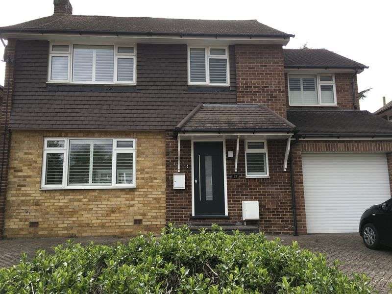 4 Bedrooms Property for sale in Elmfield Way, South Croydon