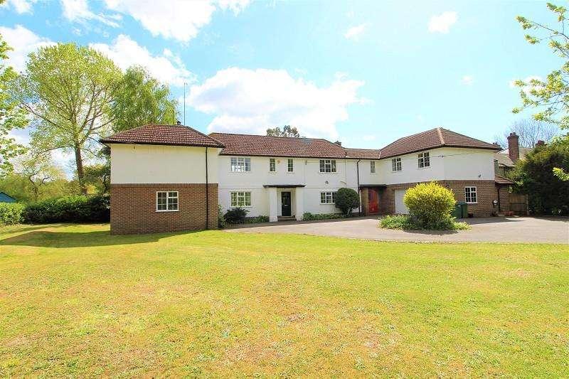 5 Bedrooms Detached House for sale in Rusper Road, Ifield, Crawley, West Sussex. RH11 0LN