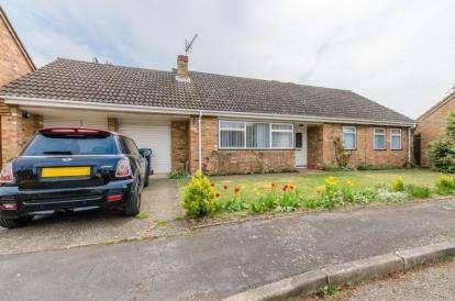 3 Bedrooms Bungalow for sale in Little Abington