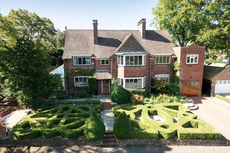 8 Bedrooms Detached House for sale in Denbridge Road, Bickley