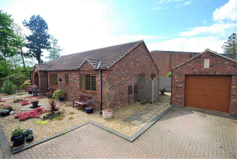 3 Bedrooms Detached Bungalow for sale in Church Lane, Donington, Spalding