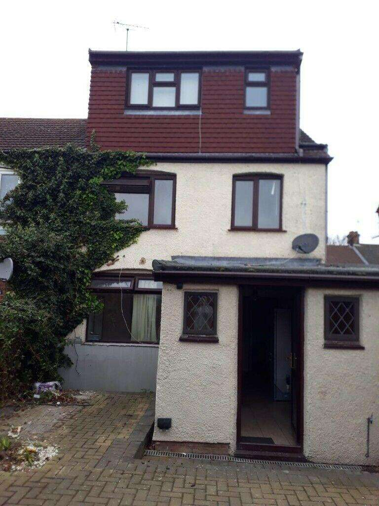 5 Bedrooms House for rent in Tudor Road LU3