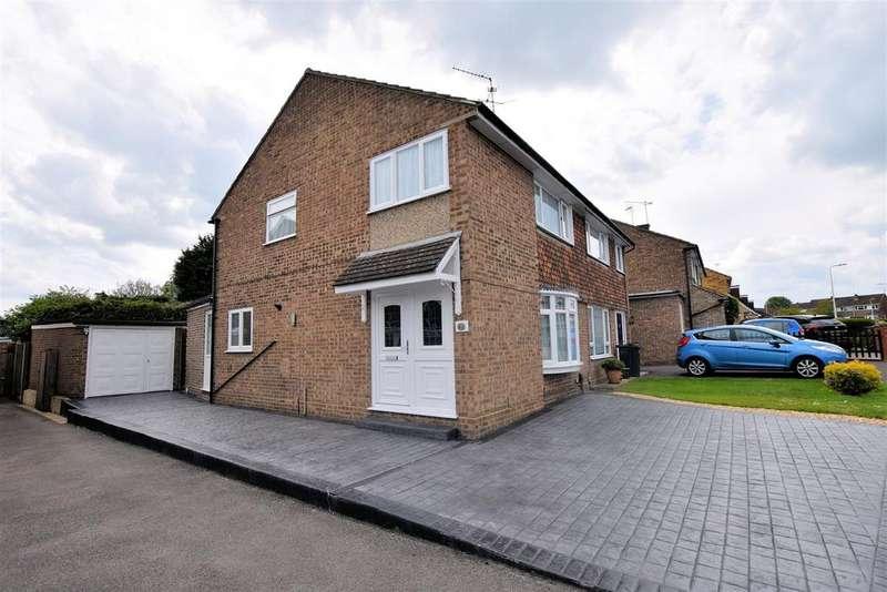 3 Bedrooms Semi Detached House for sale in Barton Road, Tilehurst, Reading