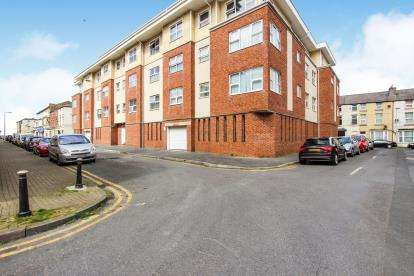 2 Bedrooms Flat for sale in The Maltings, Yorkshire Street, Blackpool, Lancashire, FY1