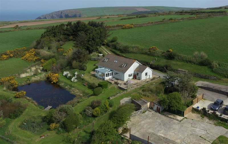 4 Bedrooms Detached House for sale in Moylegrove, Cardigan, Pembrokeshire