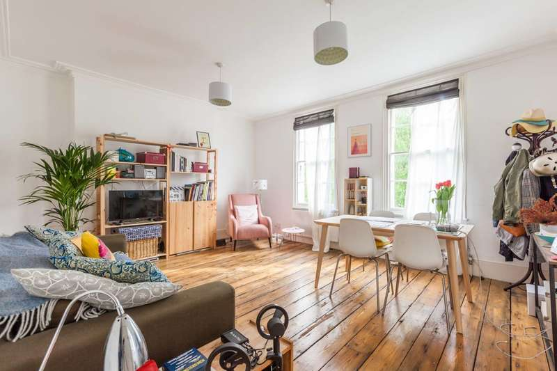 1 Bedroom Flat for sale in Stockwell Park Crescent, Stockwell, SW9