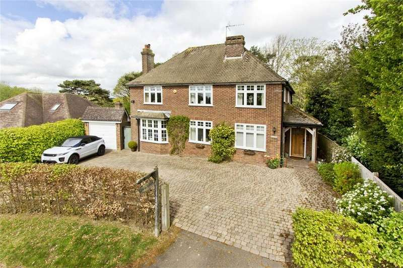 4 Bedrooms Detached House for sale in Oakhurst Road, BATTLE, East Sussex