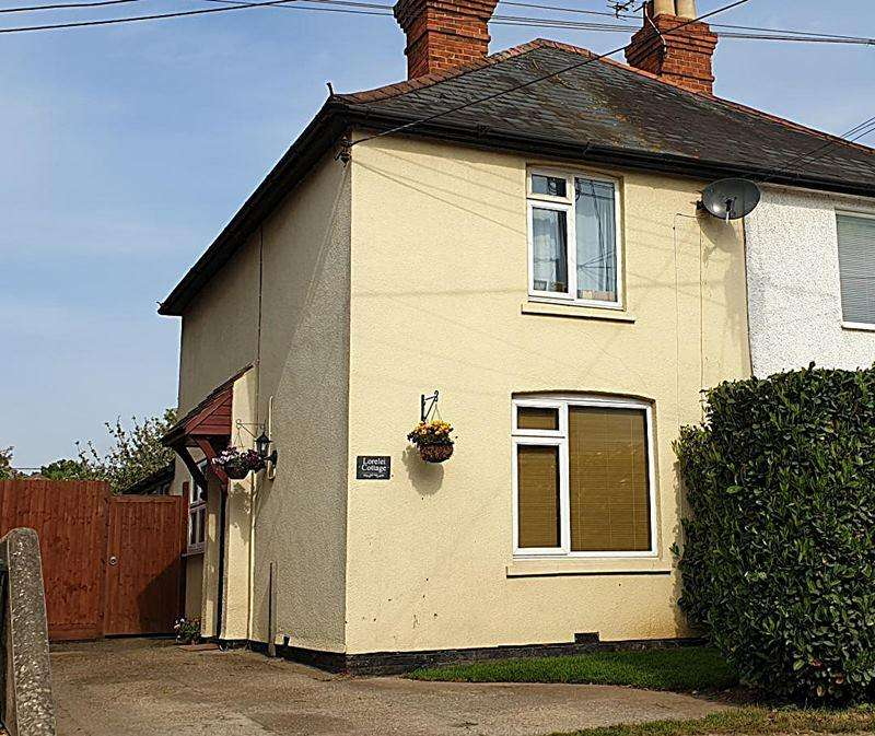 2 Bedrooms Semi Detached House for sale in Graham Road, COOKHAM, SL6