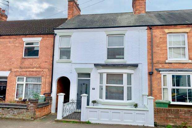 3 Bedrooms Semi Detached House for sale in Gladstone Street, Market Harborough, LE16