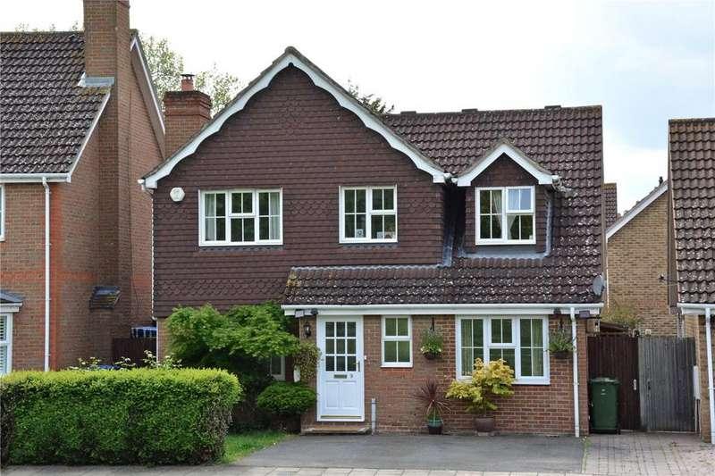 4 Bedrooms Detached House for sale in Crosier Close, Blackheath, London, SE3
