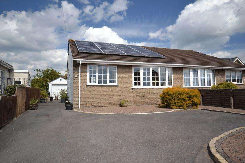 2 Bedrooms Semi Detached Bungalow for sale in Wesley Avenue, Hanham, Bristol