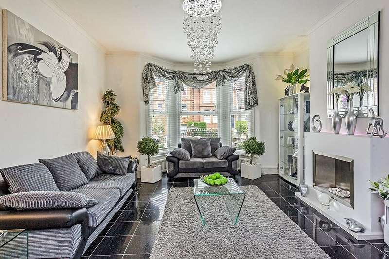 4 Bedrooms Property for sale in Dowanhill Road, London, SE6