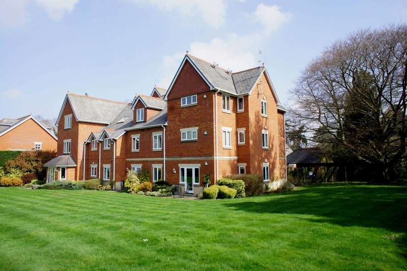 3 Bedrooms Apartment Flat for sale in Dellwood Park, Caversham Heights