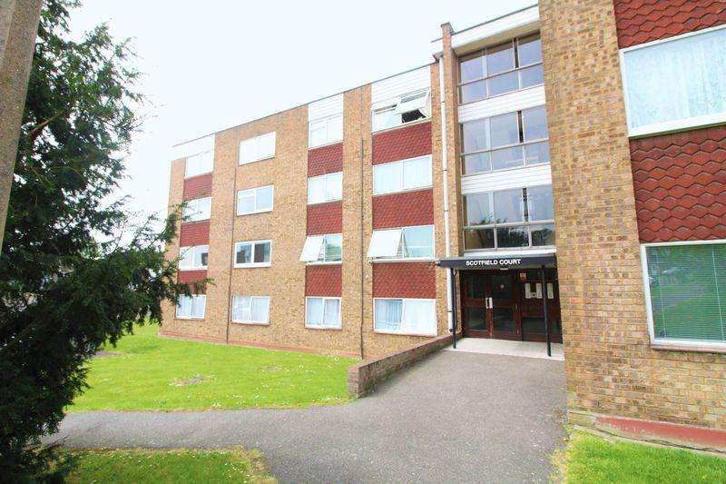 1 Bedroom Flat for sale in SPACIOUS FLAT off Handcross Road, Stopsley