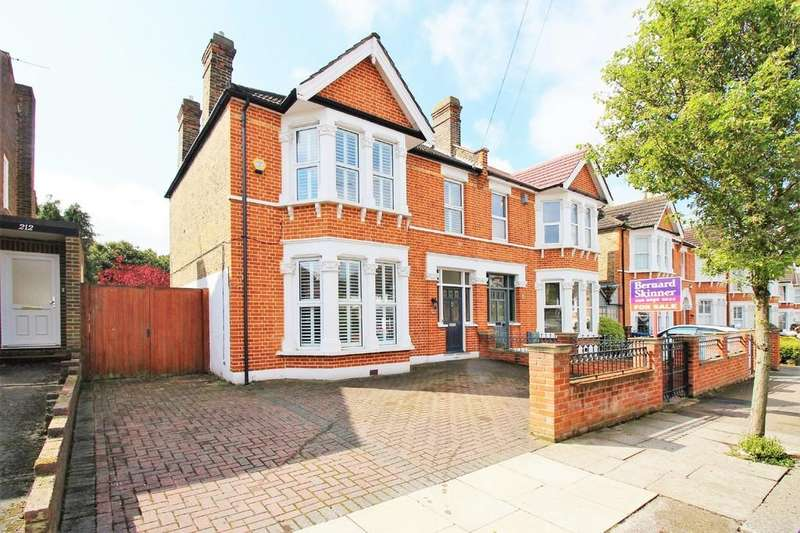 4 Bedrooms Semi Detached House for sale in Greenvale Road, Eltham Park SE9 1PQ