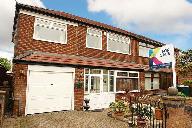 3 Bedrooms Semi Detached House for sale in Oriel Close, Chadderton, Oldham