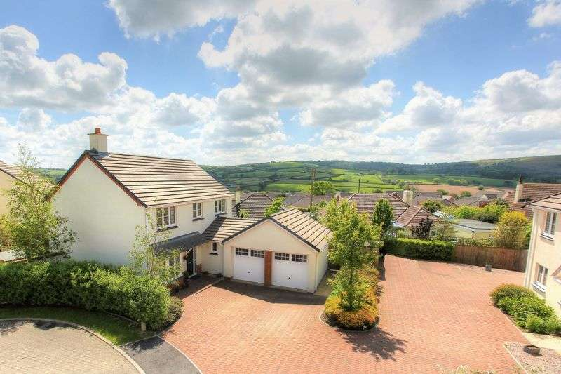 4 Bedrooms Property for sale in Loring Fields, Landkey, Barnstaple