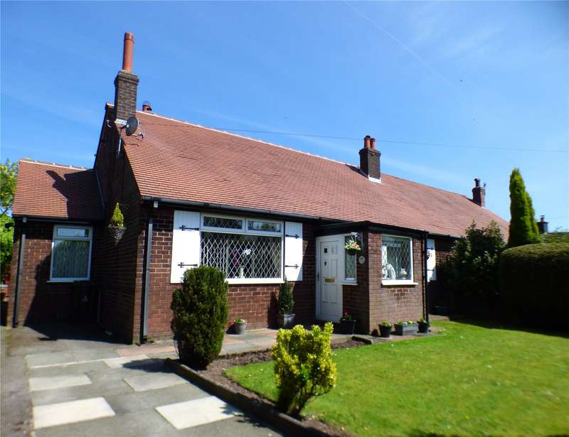 3 Bedrooms Semi Detached Bungalow for sale in Stalybridge Road, Mottram, Hyde, Greater Manchester, SK14