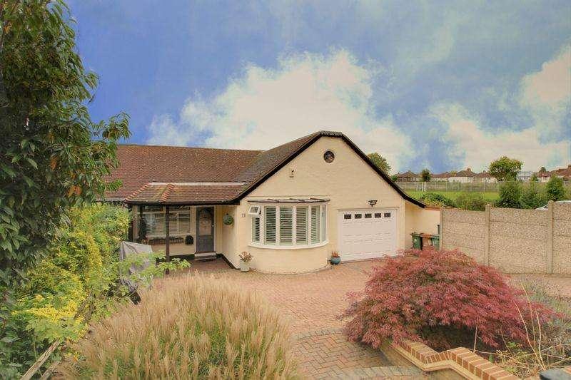4 Bedrooms Semi Detached Bungalow for sale in Plough Lane, Wallington