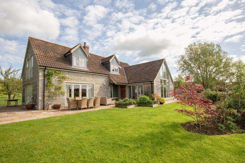 4 Bedrooms Detached House for sale in Stunning newly built house in idyllic location