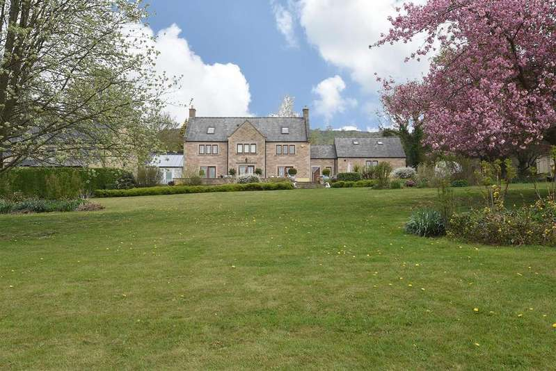 5 Bedrooms Detached House for sale in Froggat Lane, Froggatt, Hope Valley