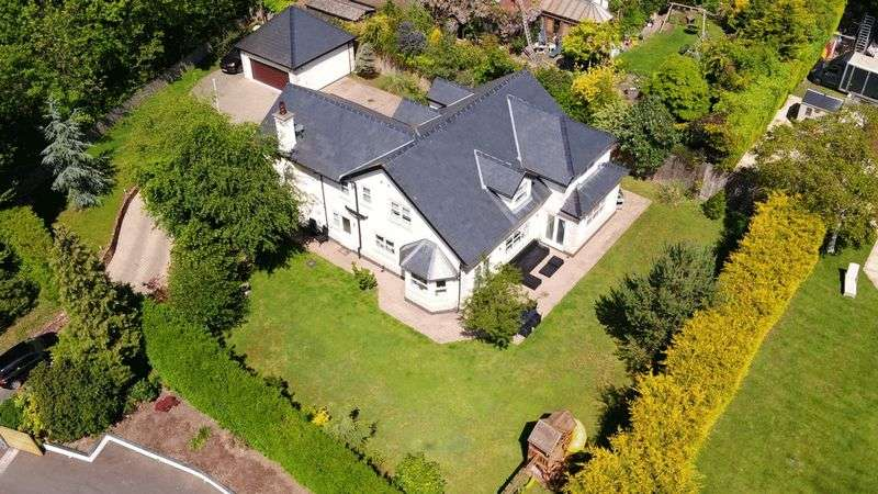 5 Bedrooms Property for sale in Well Lane, Heswall, Wirral