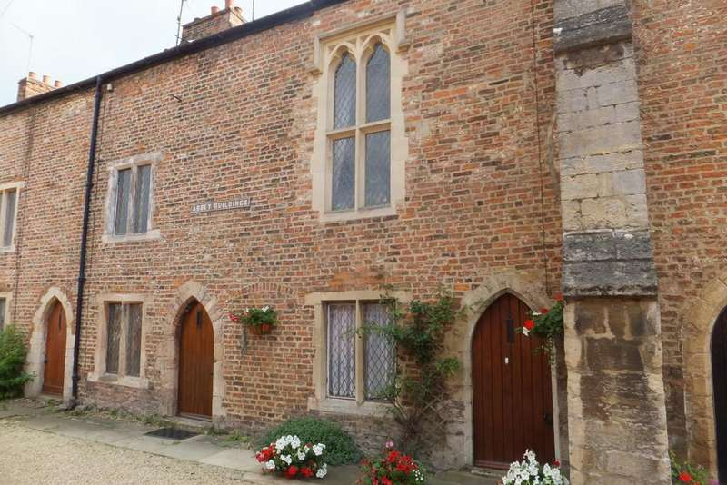 2 Bedrooms Town House for sale in Abbey Buildings, Spalding