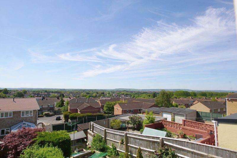3 Bedrooms End Of Terrace House for sale in Kingscote Park, Bristol, BS5 8QU