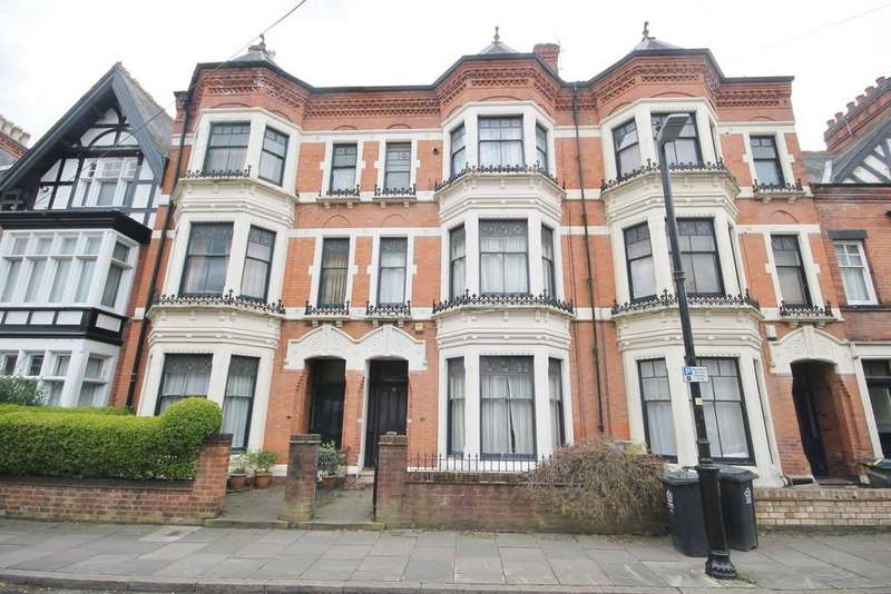 6 Bedrooms Villa House for rent in Ashleigh Road, West End, Leicester LE3